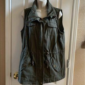 American Rag army green XL sleeveless jacket